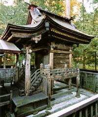御本殿(昭和25年重要文化財指定)